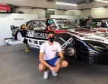Lucas Carabajal TCP El chaqueño con su Chevrolet en el taller del equipo Sportteam.