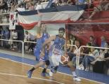 Gustvo Mascaró marcando a Gómez Quinteros