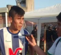 Matías Araujo, tres goles para Independiente