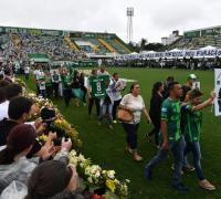 El homenaje a las víctimas en el estadio de Chapecoense