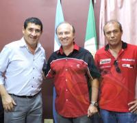 Juan Carlos Arguello junto al piloto Carlos Salom.