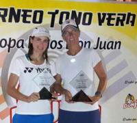 Silvina Delgado con su compañera de dobles