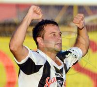 Juan MAnuel Ferreira ingresará por Nicolás Dul en el equipo albinegro.