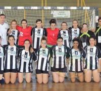 Equipo femenino de Chaco For Ever en Handball. Participa en el Argentino de Mendoza.