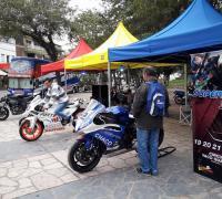 El stand de las motos en la plaza 25 de Mayo
