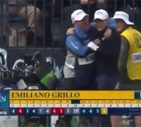 Emiliano Grillo celebra el hoyo en 1 en el Abierto Británico