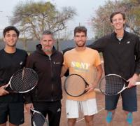 .Ignacio Monzón, Julián Cundom, y Octavio Volpi con su técnico González King de gira por Tunez