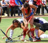 Disputado partido en que Santiago venció a Chaco 3-2 en damas Sub 21