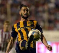 Marcelo Larrondo, una de las cartas de gol de los canallas.