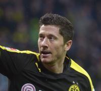 Lewandowski ingresó en el segundo tiempo, anotó a los 6, 7, 10, 12 y 15 minutos,