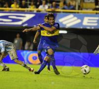 Nicolás Lodeiro, aporta juego y llega al gol en el xeneize.