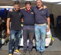 Juan Marcelo Lecce con los integrantes del equipo Juárez Competición.
