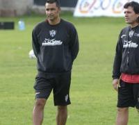 Luis Medero y Adrian Gorostiaga , DT y ayudante