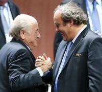 Se inició proceso penal contra Joseph Blatter y Michael Platini quedó salpicado.