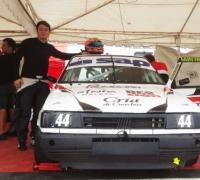 Manuel Macarro con su Fiat