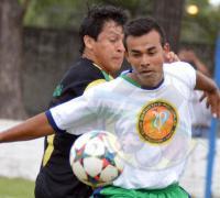 Policiales se impuso 1 a 0 a El Nacional, y luego también en los penales