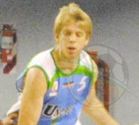 Sebastian Punet aportó cinco puntos en el triunfo de Uncaus.