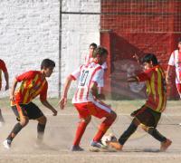 Sarmiento generó juego y estuvo ma´s cerca, pero Regional supo aprovechar y se quedó con un punto.