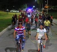 Ciclistas en el Parque de la Democracia