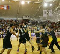 Festejo final luego del título para la Argentina