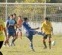 Tercer triunfo consecutivo de Villa Alvear para llegar a la punta de la Primera A