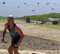 Josaé Muchutti saliendo del agua