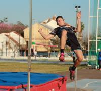Salto en alto en el Provincial de atletismo sub 17