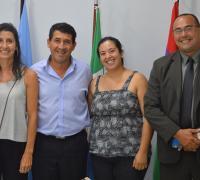 Fernando Adrián Ansaloni, Carolina Gutiérrez y María Laura Báez con el pte del Instituto Juan Carlos Arguello
