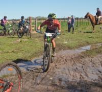 Tuvieron que atravesar todo tipo de terreno los participantes del Margarita Rally Bike