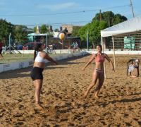 Hoy hubo beach voley en el Jaime Zapata