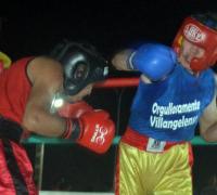 """La última pelea, la de fondo, también fue empate entre Guido """"El Menor"""" Romero (campeón interprovincial) y Franco Martínez (Villa Ángela)."""