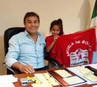 El Colo González y la camiseta de la Escuela de Boxeo