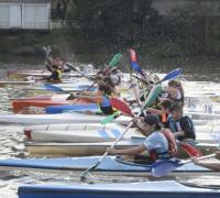 Más de 150 comptidores en la Fiesta del Canotaje