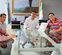 Cardozo con Capitanich, acompañado por Kohli y Chapo
