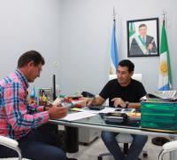 Paulone y Argüello en la firma del convenio.