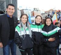Arguello con integrantes de Chaco en lapresentación de los Juegos