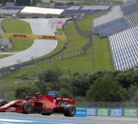 Ferrari en el solitario circuito de Austria