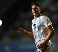 Adolfo Gaich, tres goles para el triunfo argentino