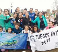 El equipo femenino de hockey de Juan José Castelli.