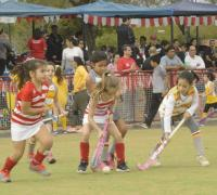 Hockey mixto en Regatas