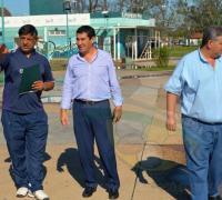 Juan Carlos Arguello y directivos de Secheep durante la recorrida que realizaron en el Jaime Zapata.