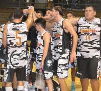 El festejo de los jugadores de Juventud de Villa Centenario tras vencer a Hércules.