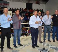 El gobernador Peppo, Juan Carlos Arguello y Oscar Brugnoli entre otros en la presentación del programa