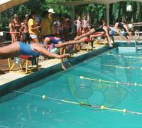 Imagen de la largada de una competencia de 100 metros en el Jaime Zapata