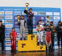 Lucas Bohdanowicz en lo alto del podio