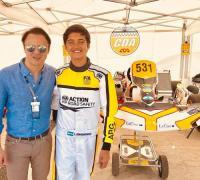 Lucas Bohdanowicz con Felipe Massa, presidente de la CIK-FIA.