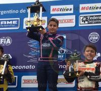 Luca Longhi en lo alto del podio en la Sudam Junior