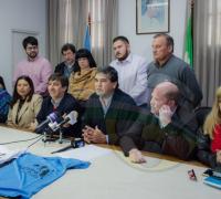 Organizadores y autoridades municipales en el lanzamiento de la Maratón Convivencia