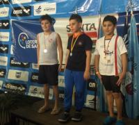 Nadador de Regatas en el podio