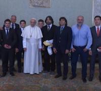 Integrantes de Curne con el Papa Francisco en la visita privada